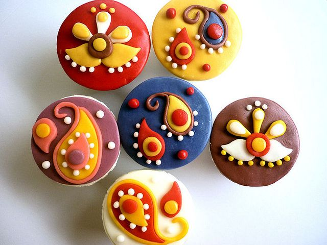 Diwali 2010 by CupcakeMomma SG, via Flickr
