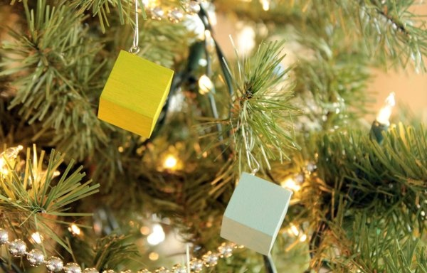 Wooden-Block-Christmas-Ornaments-Detail