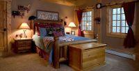 Simple Country-western bedroom | Master Bedroom Ideas ...