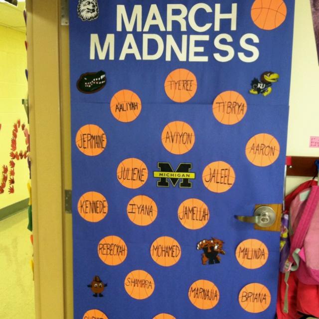 March decorative door idea