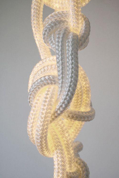 Alle corde luci, progettato da Christian Hass