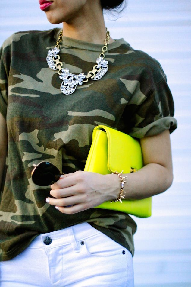★how2wear white jeans★ with camouflage + crystals \\ @dressmeSue pins great outfits