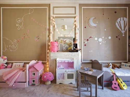 Great idea if we decide to keep the kids in the same room for a few years! 60 Magical KidsRooms - Style Estate -