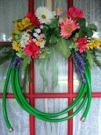 garden hose wreath | DIY Art | Pinterest