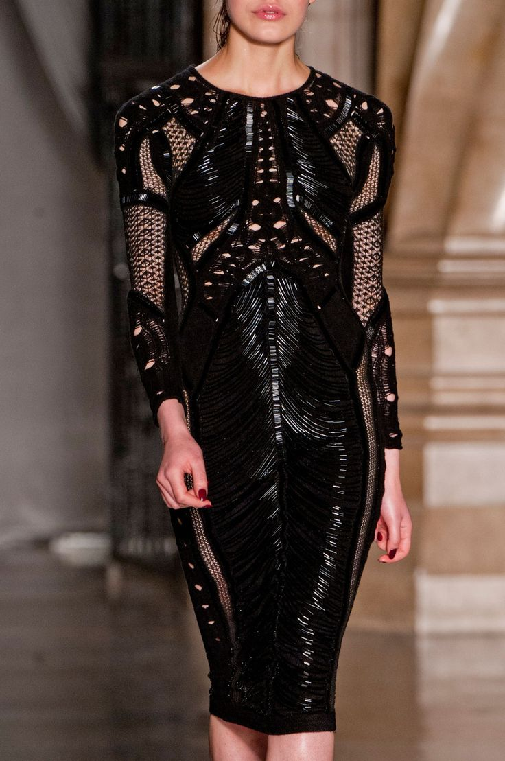 Julien Macdonald Fall 2014 RTW