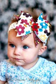 hair bowith brown colorful flowers