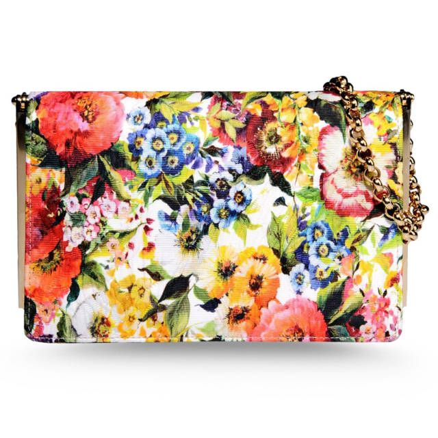 Bring out the fun in your outfit with a bright and patterned handbag for summer!