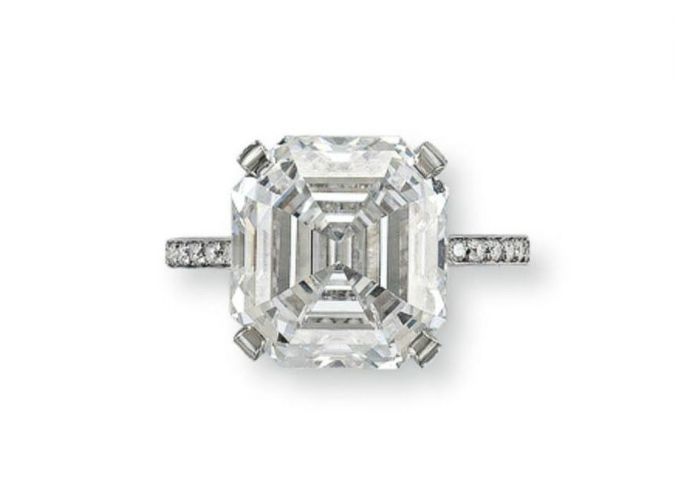 A superb diamond ring
