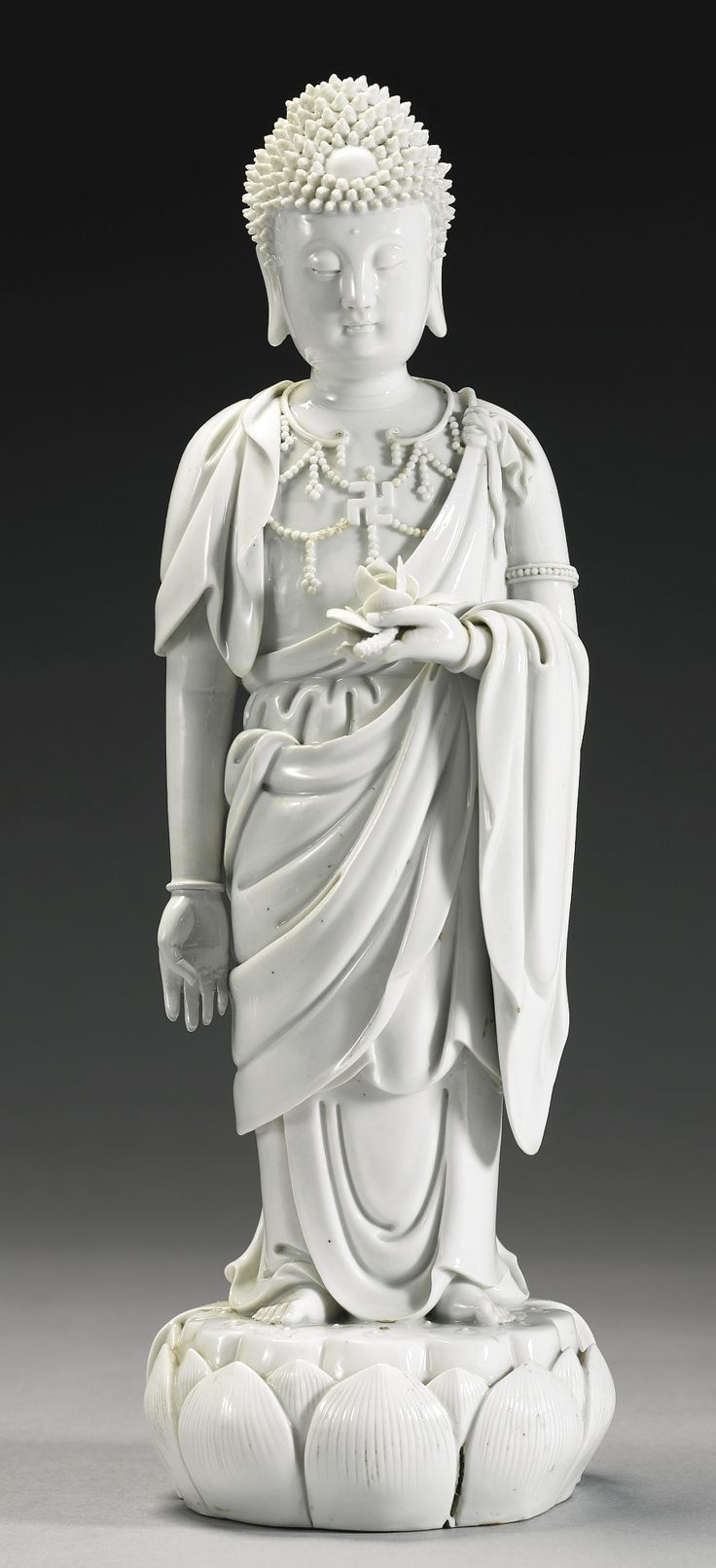 A Dehua figure of Buddha, Qing dynasty, 19th century