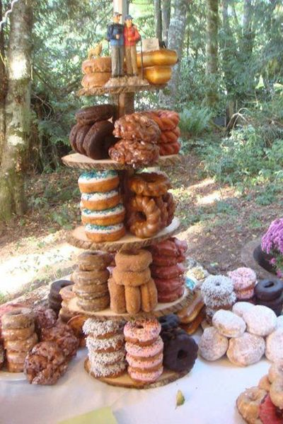 Non-traditional alternatives to a wedding cake: Doughnut tower
