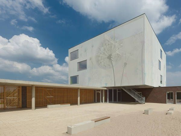 Neubau Kindertagesstätte Böblingen/Sindelfingen, Deutschland I Textile bioclimatic facade made with Serge Ferrari printed Stamisol FT 381 membrane