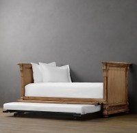 Daybed for small guest bedroom | Home Sweet Home | Pinterest