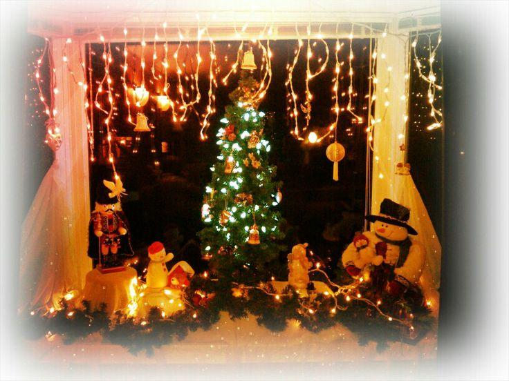 Bay window Christmas decor