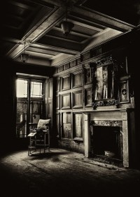 Spooky living room | Creepy Houses | Pinterest