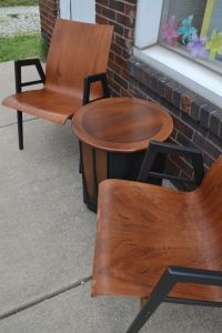 Mid Century Modern sitting area set. molded plywood chairs.