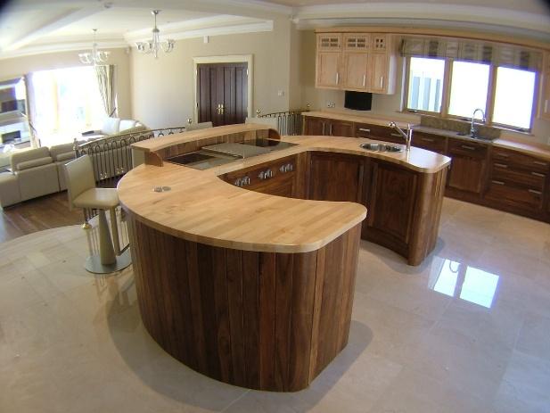 Horseshoe Shaped Kitchen Island
