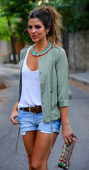 Statement necklace + tee.