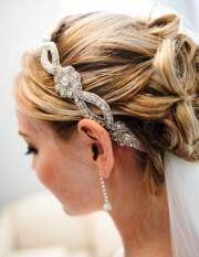 headband wedding hairstyle