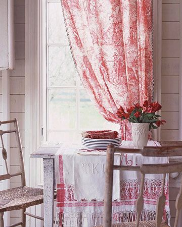 .I love toile.....oh and of course it helps that it is red....