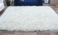 rug - love fuzzy rugs -so nice and cozy   Girl/teen room ...
