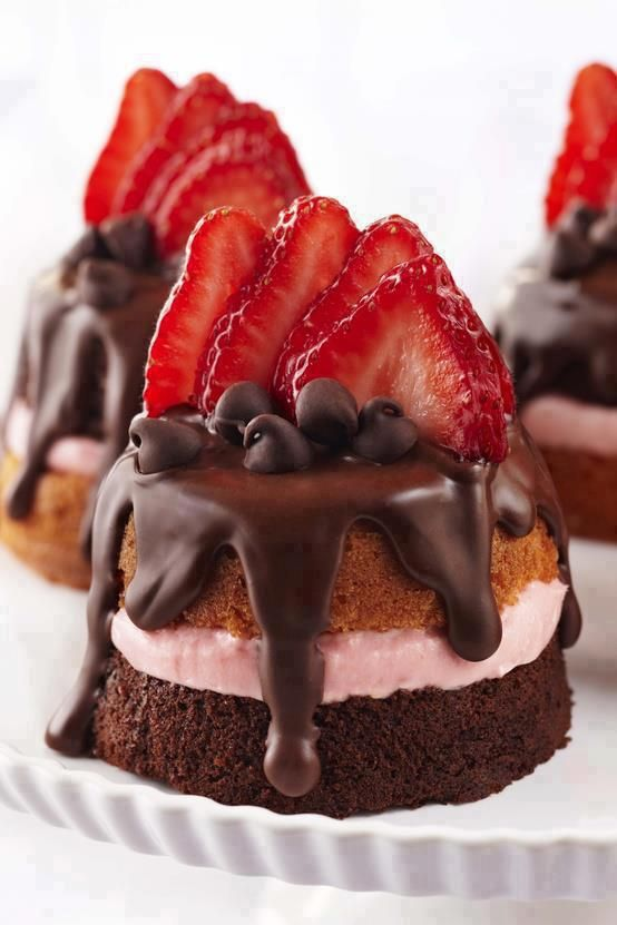 Mini Strawberry & Chocolate cake