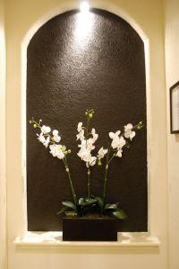 brown art niche