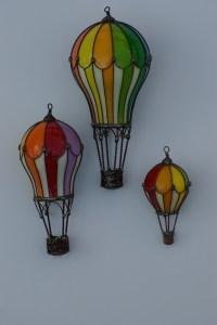 Hot Air Balloons from light bulbs | gotta make it | Pinterest