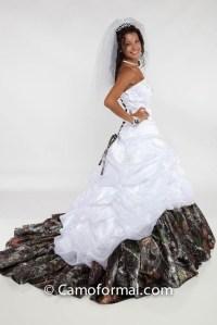 Camo wedding dress | my dream redneck wedding | Pinterest
