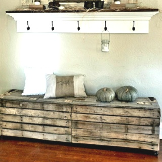 love this pallet bench!