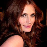 Dark red hair color (Julia Roberts) | Hair | Pinterest
