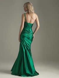 green evening dress - Google Search | Style Inspiration ...