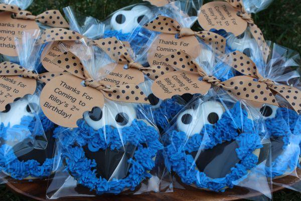 Cookie Monster Birthday Favors Cake Pops