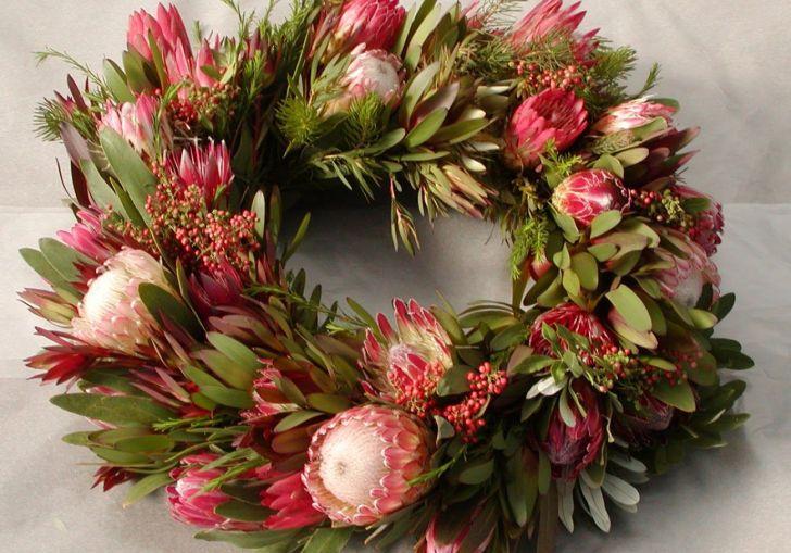 Search Elegant Christmas Wreaths