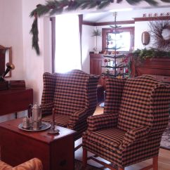 Colonial Sofa Sets Small Curved Leather Sectional Pin By Joyce Reed On Primitive Living Rooms Pinterest