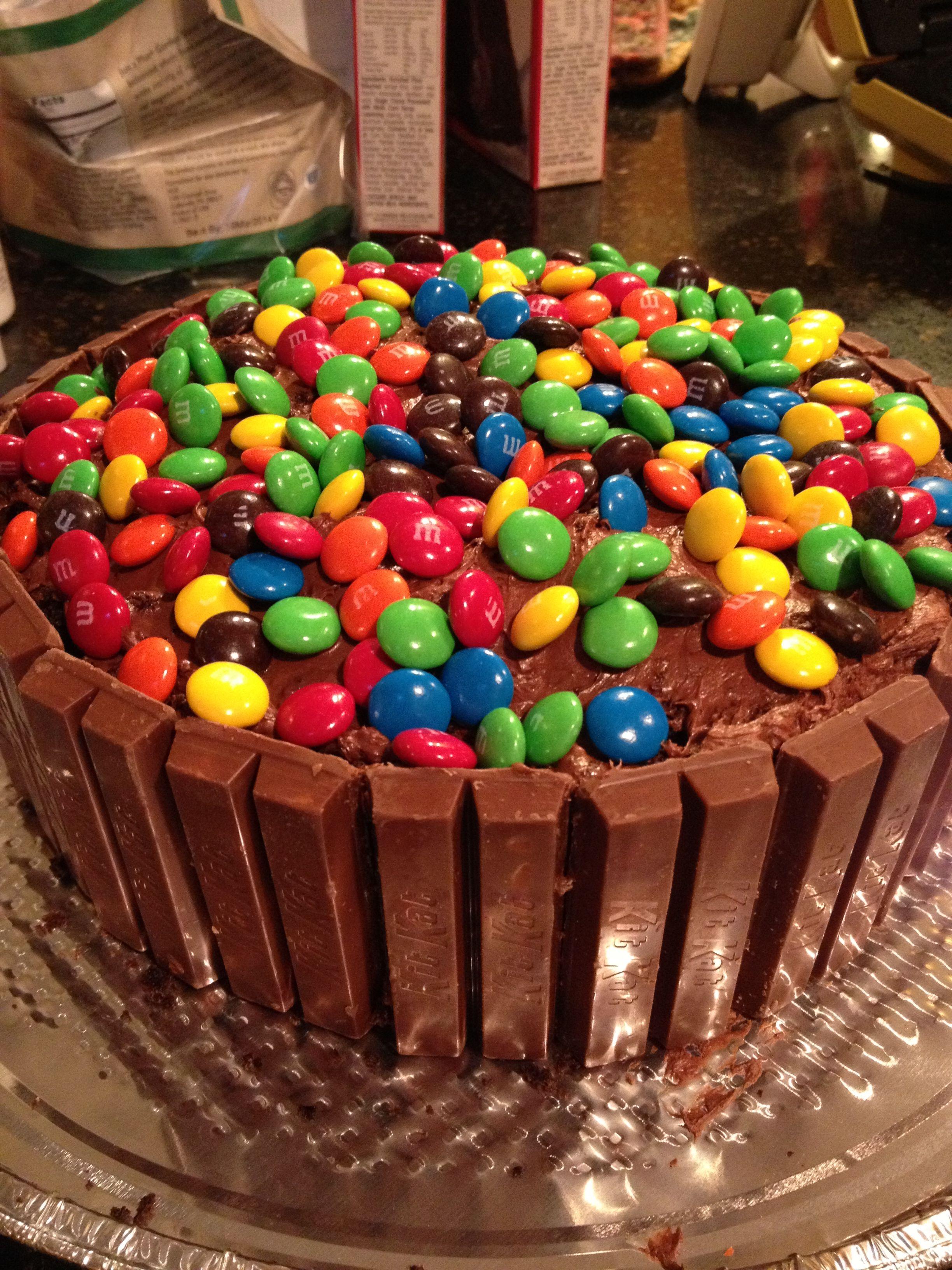 Kit Kat Autumn Cake Ideas