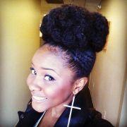 natural hair with big bold bun