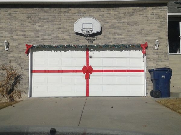 20 Garage Christmas Decorations Ideas Pictures And Ideas On Carver