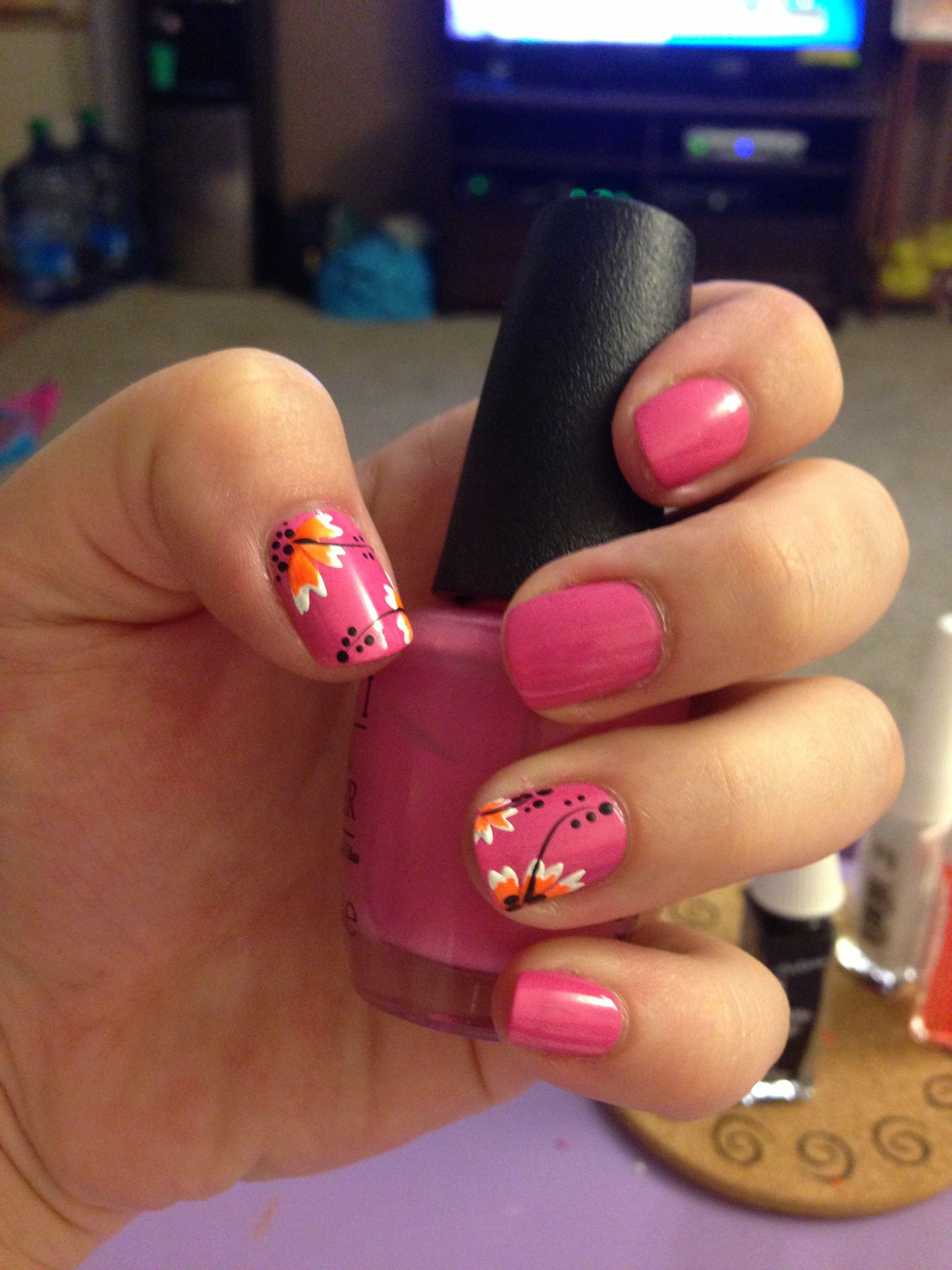 Hibiscus nail design