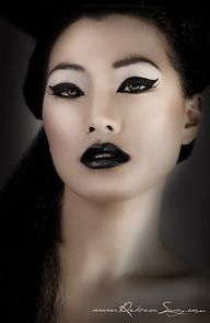 black make up www.korigami.vn