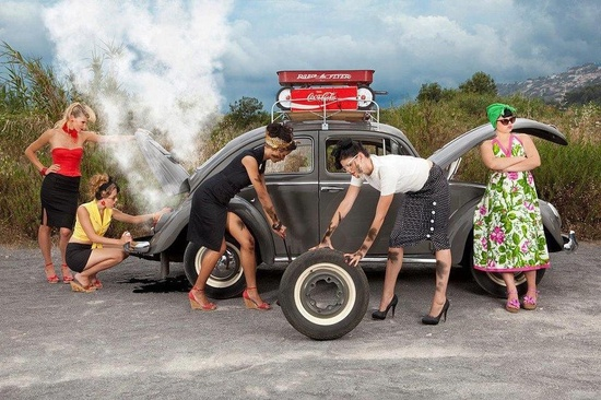 Changing tire, Volkswagen, Beetle, Pin Ups, Vintage, Girls