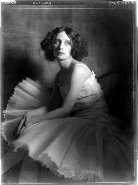 Kallmus, Dora (Madame d'Ora, 1881-1963). Anna Pavlova by RasMarley, 1913.