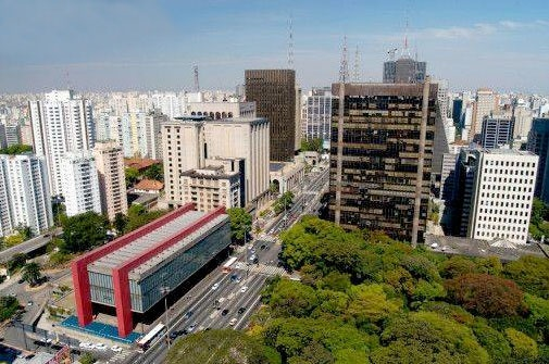 Google Image Result for http://ct2.cpiworld.com/content/images/locations/1d127446-2d23-4674-b5e2-67676a70282f.jpg    MASP ( Museum of Fine art Sao Paulo - red stripes) andthe Park Trianon