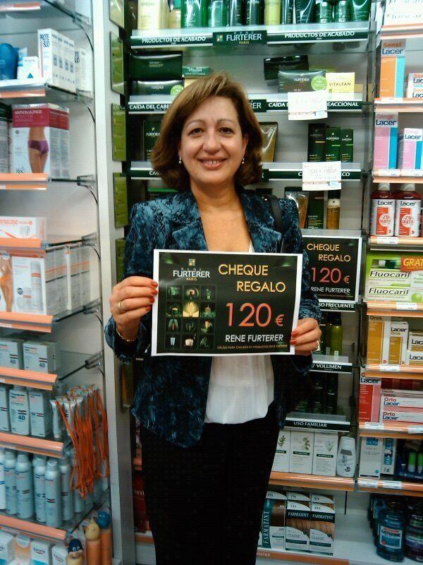 Ganadora del sorteo Furtener en Farmacia Internacional de Madrid