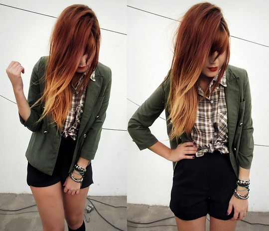 And so the winter time comes calling (by Lua P) http://lookbook.nu/look/1766744-Vintage-Blazer-Blouse-Iwearsin-High-Waisted