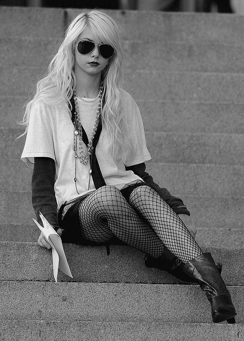 Jenny Humphrey=your typical badass