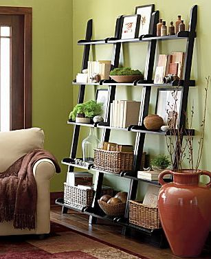 Styling a leaning bookcase