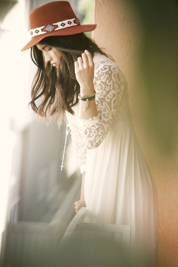 Sweetly swaying. #Hat #Cowgirl #Lace #Dress