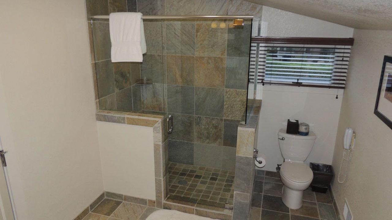 Dusche Und Bad  Eine Badewanne Mit Lsst Sich Frhzeitig