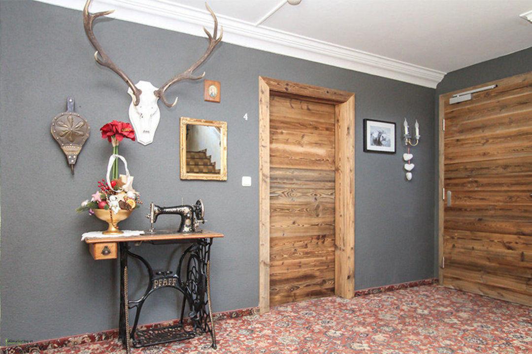 Dekoration im Treppenhaus Landhaus Tirolerherz Pillersee  HolidayCheck Tirol  sterreich