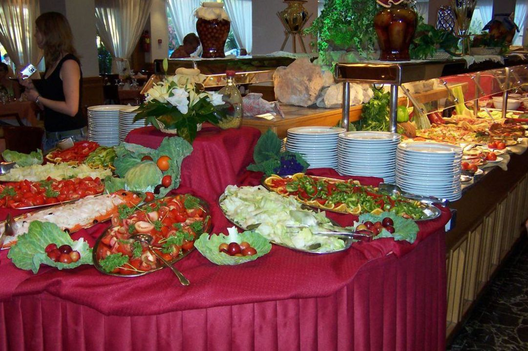 Buffet Hotel Valentin Reina Paguera Adults Only